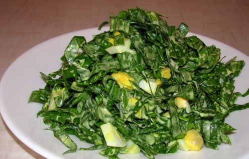 Салат из черемши и яйца