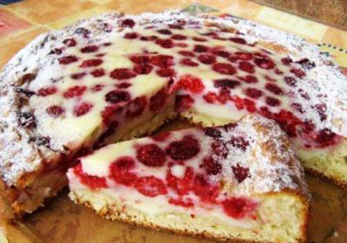 Пирог с малиной и яблоком рецепт